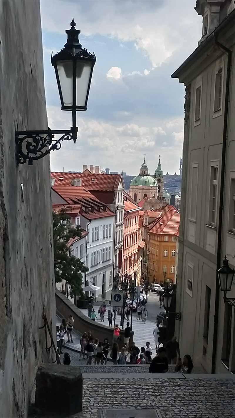 Zweite Medizinische Fakultät in Prag: Ab in die Klinik